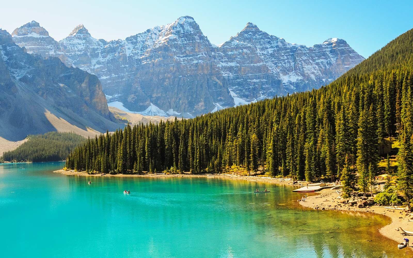 加拿大权威旅行杂志 Vacay.ca为我们带来了2018最新版的《2018年加拿大最值得去的20个地方》。 也许有人会认为,并不值得一看,因为加拿大无非就是那些地方。最值得去哪里?当然是温哥华啊、班夫啊、布查特花园啊、贾思伯、大瀑布之类的地方。
